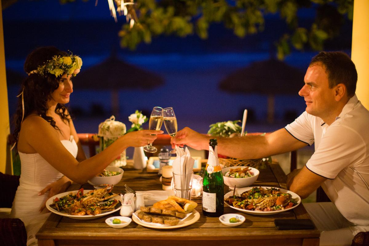 Фото и картинки ужин в ресторане