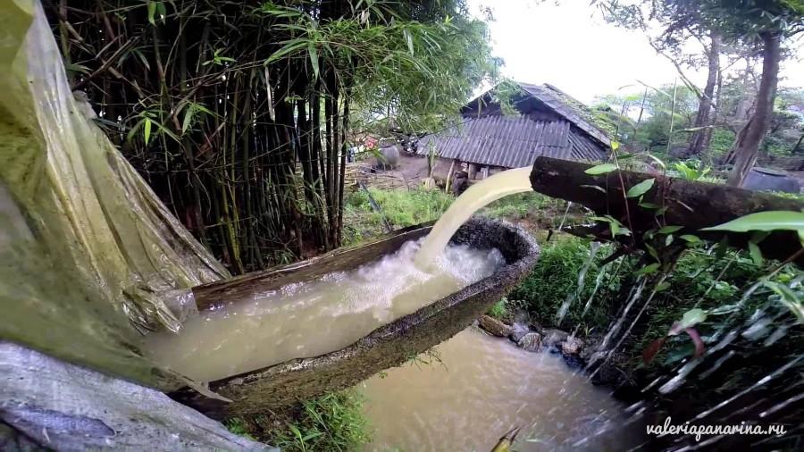 Гигантские водяные колеса общины Банбо